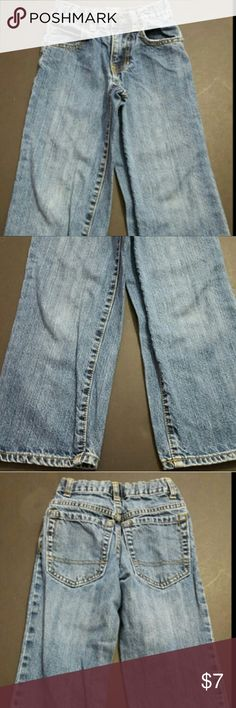 OLD NAVY BOY'S SIZE 6 ADJUSTABLE WAIST JEANS GUC OLD NAVY BOY'S SIZE 6 ADJUSTABLE WAIST JEANS GUC  These are a great condition pair of denim jeans from Old Navy. These are a Boy's Size 6 and have an adjustable waist. These are pre-owned and some light signs of use should be expected.? Old Navy Bottoms Jeans