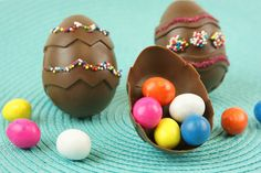 Easter Chocolate surprise eggs.         http://blog.candiquik.com/hidden-surprise-chocolate-easter-eggs/