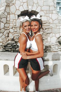 Cheerleading Pictures, Cheerleading Outfits, Cheerleading Stunting, Cheer Athletics, Cheer Outfits, Cheer Picture Poses, Cheer Poses, Cheer Team Pictures, Bff Pictures