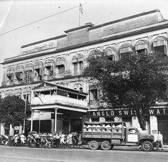 American Red Cross Burra Club on Chowringhee Square East, Calcutta, India, 1945 | World War II Database (public domain via University of Pennsylvania)