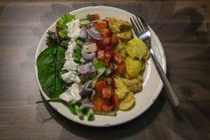 """Healthy kapsalon, """"Kimsalon"""" (vernoemd naar mijzelf :P). Met aardappeltjes en kip. Lekker!!"""
