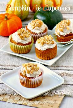 All the yummy flavors of pumpkin pie plus the cinnamon-clove buttercream frosting make these pumpkin pie cupcakes the best fall treat!