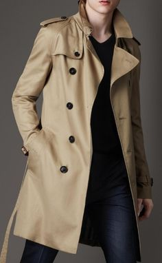 Mid-length cotton blend trench coat by Burberry. Trench Coat Outfit, Trench Coat Men, Coat Dress, Men Dress, Burberry Trenchcoat, Burberry Men, Gucci Men, Burberry Classic, Classic Trench Coat