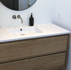 Snedker Bad Koncept møbel til dit Badeværelse Double Vanity, Bathroom, Wood, Madeira, Woodwind Instrument, Bathrooms, Double Sink Vanity, Wood Planks, Trees