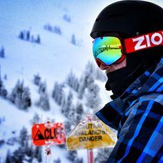 Snow Time ! - snow goggles Winter Sports, Oakley Sunglasses, Snow, Superhero, Winter Sport, Eyes, Let It Snow