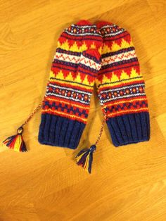 Fingerless Mittens, Knit Mittens, Knitted Hats, Knit Socks, Knitting Socks, Tea Cozy, Wrist Warmers, Gloves, Hands