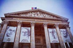 Un ptit tour au #Pantheon. #quartierlatin #walk #christmas #Paris #france.  by urbsmanus