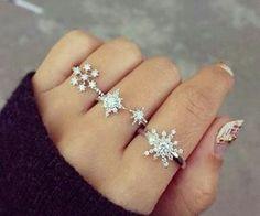 snowflakes rings.. so cute