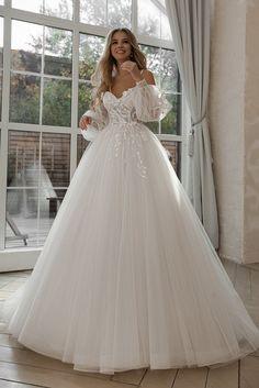 Cute Wedding Dress, Dream Wedding Dresses, Bridal Dresses, Wedding Dress Corset, Gown Wedding, Dress Lace, Lace Wedding, Ball Dresses, Ball Gowns