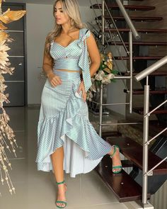 Women's Designer Dresses: High End, Lace Top, & Maxi Cocktail Girl Fashion, Fashion Looks, Fashion Outfits, Semi Formal Outfits, Jumpsuit Dress, Ladies Dress Design, Simple Dresses, Classy Outfits, African Fashion