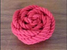 Making of Rose knot the way I do it. Paracord Projects, Macrame Projects, Woolen Craft, Knots Guide, The Knot, Rose Tutorial, Macrame Plant Hangers, Macrame Design, Macrame Tutorial