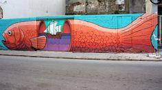 Perspectivas montevideanas. Mar, pescado y carabelas. Mural en la calle 25 de Mayo y Colón, Ciudad Vieja, Montevideo, Uruguay.