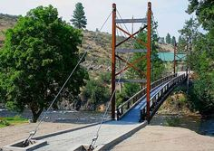 A Tribute to Carroll Vogel: the art of suspension bridge building