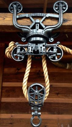 Beautiful Antique Myers Wood Beam Cloverleaf Hay Trolley Pulley Pat'D 1895 --- I love pulleys. Vintage Industrial Decor, Industrial Furniture, Industrial Style, Antique Tools, Old Tools, Pulley Light, Creation Deco, Rustic Lighting, Wood Beams