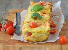 Plumcake di pane con pomodori e mozzarella