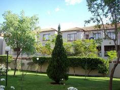 2 bedroom Apartment / Flat to rent in Sunninghill for R 8 350 with web reference 103269018 - Smith Anderson Realty