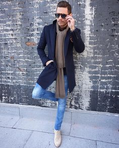 Mens Fashion Casual – The World of Mens Fashion Chelsea Boots Outfit, Gentleman Mode, Gentleman Style, Stylish Mens Outfits, Dapper Men, Men Looks, Mens Clothing Styles, Casual Looks, Winter Fashion