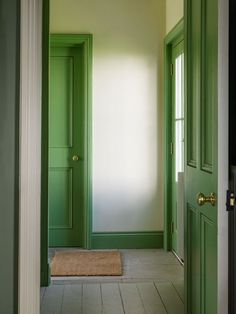 Love the gorgeous green trip on the doors, architrave and skirting boards. Interior Paint, Interior And Exterior, Living Colors, Green Windows, Painted Doors, Painted Window Frames, Painting Trim, Green Rooms, Colour Schemes