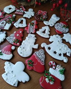Christmas Sugar Cookies, Christmas Cupcakes, Christmas Sweets, Noel Christmas, Christmas Goodies, Christmas Baking, Paint Cookies, Fondant Cookies, Royal Icing Cookies