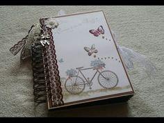 Mini álbum de Scrapbooking multibolsillo - YouTube Mini Albums Scrap, Mini Scrapbook Albums, Hobbies And Crafts, Diy And Crafts, Paper Crafts, Baby Mini Album, Mini Album Tutorial, Vintage Scrapbook, Vintage Paris