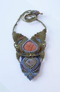 Magical macrame necklace