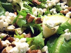 Mixed Greens with Pears, Pecans, Blue Cheese and Honey Balsamic Dressing