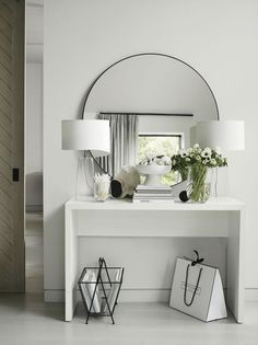 Chiltern Thin Metal Round Mirror Mirrors The White Company Chiltern Thin Metal Round Mirror Mirrors The White Company Daniela Wohnen Upgrading your hallway is a quick nbsp hellip Entrance Hall Decor, Entryway Decor, Hall Way Decor, Entrance Halls, The White Company, Living Room Interior, Living Room Decor, Decor Interior Design, Interior Decorating