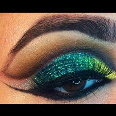 Green glitter cut crease