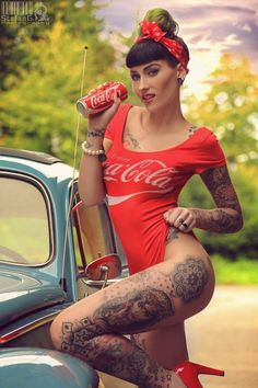 Coke Pin-up