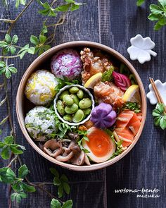 I am so hungry, I want to have my dinner Bento Recipes, Healthy Recipes, Cute Food, Yummy Food, Japanese Food Sushi, Japanese Lunch Box, Homemade Ramen, Food Presentation, Soul Food