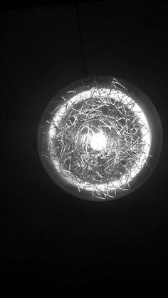#lampara #Vintage #moderno #luz #hierros #raro #extraño
