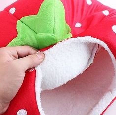 Pet Dog Cat Bed House Soft Strawberry Kenne Doggy Puppy Warm Cushion Basket Pad
