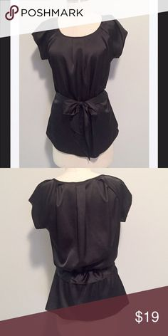 """New NY & Co. Black Gathered Silk-Look Top, S Beautiful top that is brand-new without tags. Would go with so many things. Very easy to wear machine wash polyester blend fabric that looks and feels like silk. 38"""" bust and 24"""" length. Excellent condition from a smoke and pet free home. Bundle with over 200 for an additional 20% off or more! New York & Company Tops"""