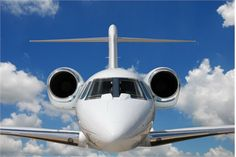 Dubai'da düzenlenen havacılık fuarı birbirinden farklı jet uçakları meraklılarıyla buluşturdu. CNBC editörleri bu uçakların arasından iş dünyasının tercihi olan en pahalı modelleri sıraladı. İşte dünyanın en pahalı kurumsal jetleri...
