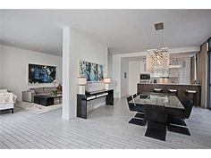 2201 COLLINS AV Miami Beach FL 33139