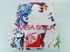 Na capa dos caderninhos da Meia Sola, uma homenagem a arte de rua, destacando a moda e a sofisticação da mulher moderna. Foi um sucesso! #grafica #impressao #caderno #papel #moda