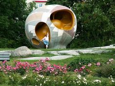 Playable sculpture by Egon Möller-Nielsen at Tessin park in Stockholm.