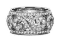 Diamond Pave scroll band honeybee collection