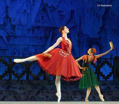 Alexandra Timofeeva . The Kremlin Ballet in La Esmeralda ©Valeria Komissarova