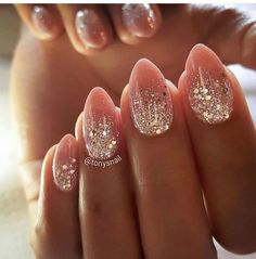 Finger Nägel You are in the right place about fall wedding nails opi Here we offer you the most beautiful pictures about the fall wedding nails navy you are looking for. When you examine the Finger Nä Christmas Nail Designs, Christmas Nails, Fancy Nails, Diy Nails, Manicure Ideas, Glitter Ombre Nails, White Sparkle Nails, Gold Glitter, Gorgeous Nails