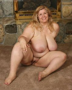 self took pics of fat pussy