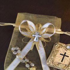 12 Silver Mini Bibles And Rosary Personalized First Communion Balloon Decorations Party, Baby Shower Centerpieces, Baby Shower Favors, Baby Shower Decorations, Baby Shower Invitations, First Communion Favors, First Holy Communion, Mini, Organza Bags