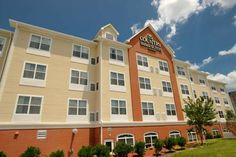 Country Inn & Suites by Carlson Concord / Kannapolis Concord (North Carolina) This Concord, North Carolina hotel features an indoor heated pool with a spa bath and a hot breakfast buffet. The rooms include cable TV with HBO and the hotel is 12.1-miles from Charlotte Motor Speedway.