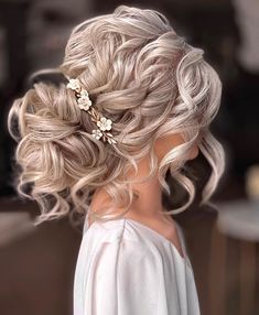 """Kristina Gasperas on Instagram: """"If you are a bridal HAIRSTYLIST and wish to learn this gorgeous hairstyle join us in the Online Academy members FB group today at 12pm UK…"""" Wedding Hairstyles, Cool Hairstyles, Gorgeous Hair, Beautiful, Amazing Hair, Wedding Hair Inspiration, Wedding Ideas, Hair Reference, Hair Hacks"""