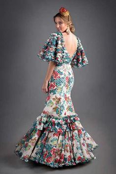 El ajoli Simple Dresses, Pretty Dresses, Beautiful Dresses, Couture Dresses, Fashion Dresses, Fashion 2017, Fashion Show, Flamenco Costume, Flamenco Dresses
