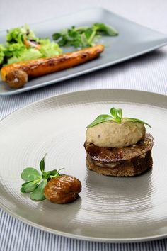 Veal liver with potato/chestnut puree and roasted carrots