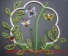 Trabajos propios Mj, Wreaths, Decor, Bobbin Lacemaking, Zaragoza, Bias Tape, School, Bobbin Lace, Tile