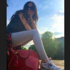 #GiorgiaPalmas Giorgia Palmas: E alla fine è uscito il sole ed è stata una giornata stupenda ☀️ #milano #sunnyday #me #giorgiapalmas #beautifulday with #mylove #sofi & #mymom #shoes @lottosport