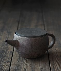 Teapot by Takeshi Omura | Analogue Life