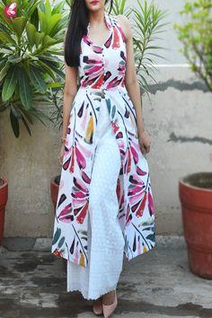 Buy White Printed Pure Linen Kurti with White Chikankari Cotton Palazzo Online in India Saree Blouse Neck Designs, Kurta Neck Design, Neckline Designs, Blouse Designs, Dress Designs, Printed Kurti Designs, Kurta Designs, Dress Indian Style, Indian Dresses
